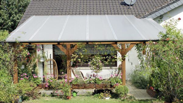 Terrassenüberdachung günstig Holz Doppelstegplatten weiß 10mm
