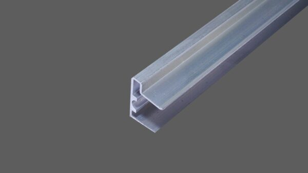 U-Abschlussprofil-mit-Tropfkante-für-16-mm-Stegplatten-Aluminium-pressblank-Verschluß-untere-Seite-der-Stegplatten.jpg