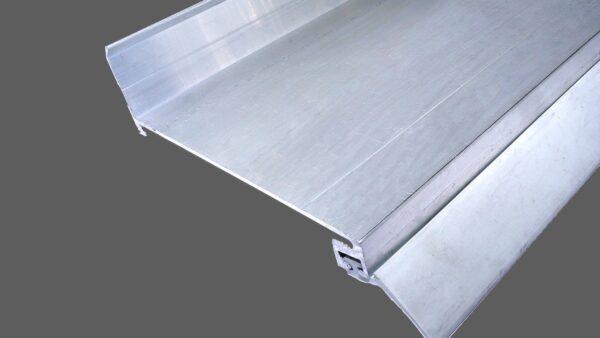 Wandanschlußprofil-aus-Aluminium-preßblank-mit-langer-Dichtlippe-1.jpg