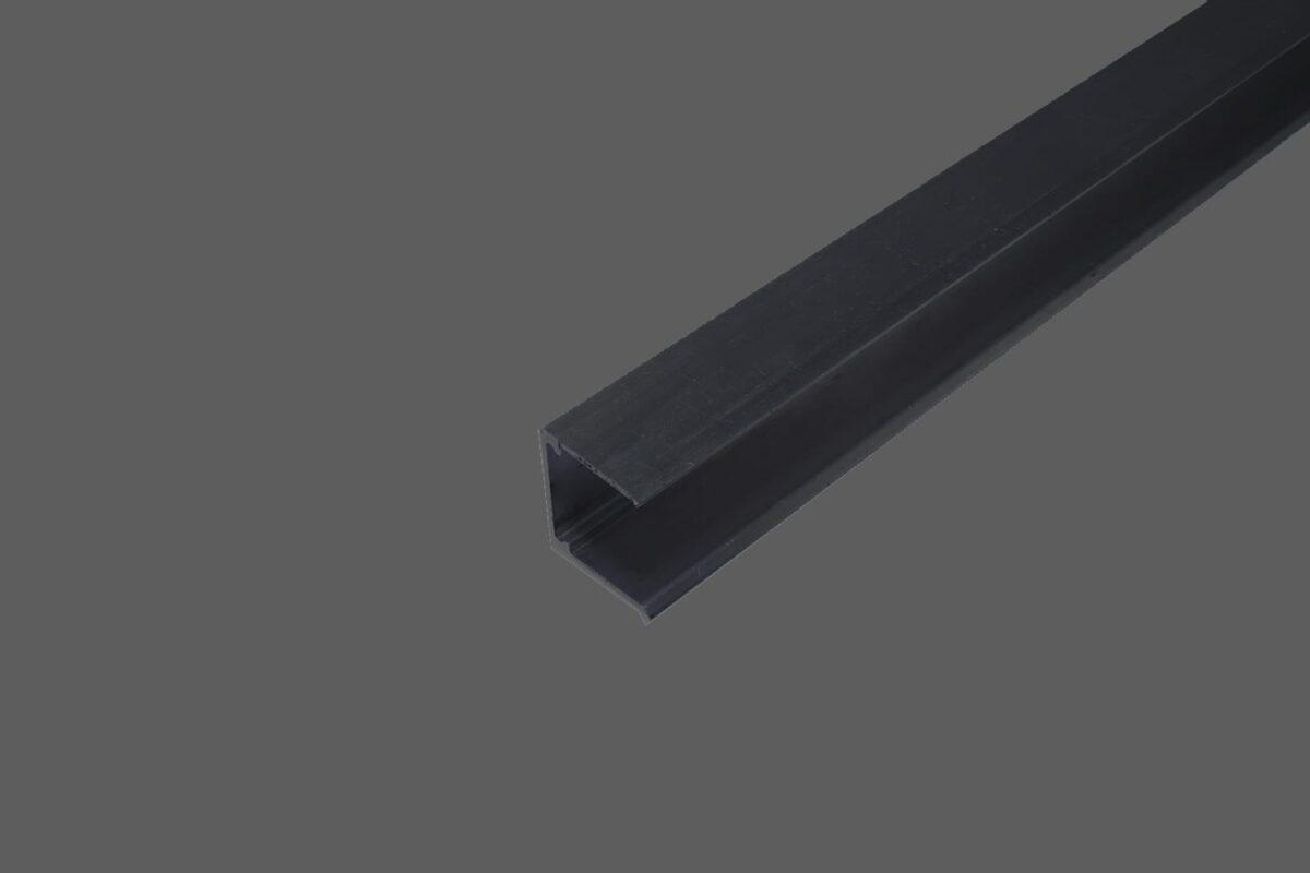 U-Abschlussprofil-ohne-Tropfkante-für-16-mm-Stegplatten-Aluminium-anthrazit-Verschluß-obere-Seite-der-Stegplatten